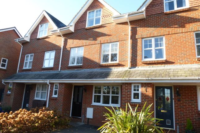 Thumbnail Town house to rent in Meadow Bank, Farnham