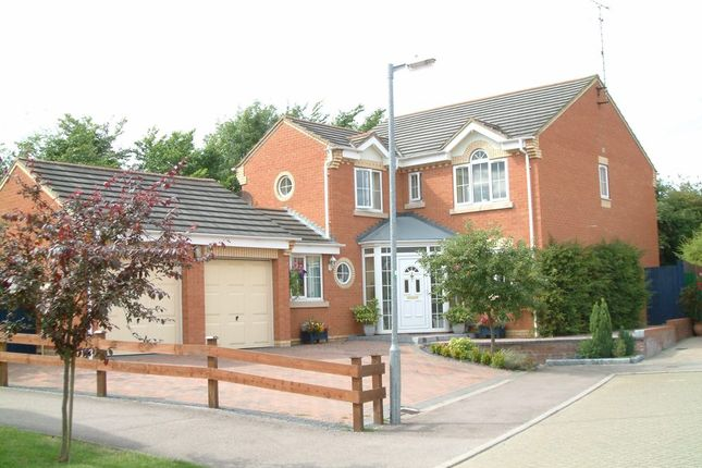 Thumbnail Detached house to rent in Sparrow Drive, Poplars, Stevenage