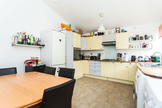 Thumbnail Bungalow to rent in Brecknock Road, London