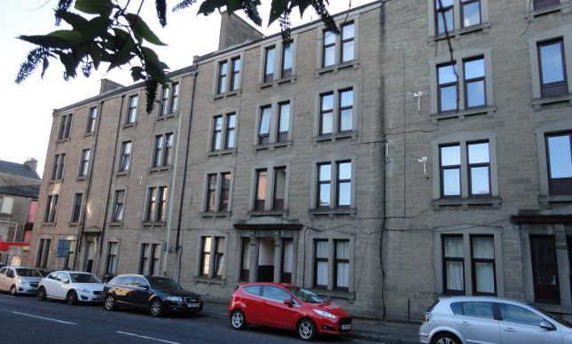 Thumbnail Flat to rent in Constitution Street, Dundee