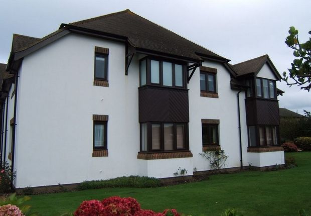 Thumbnail Flat to rent in 191 Cooden Drive, Cooden, Bexhill-On-Sea, East Sussex