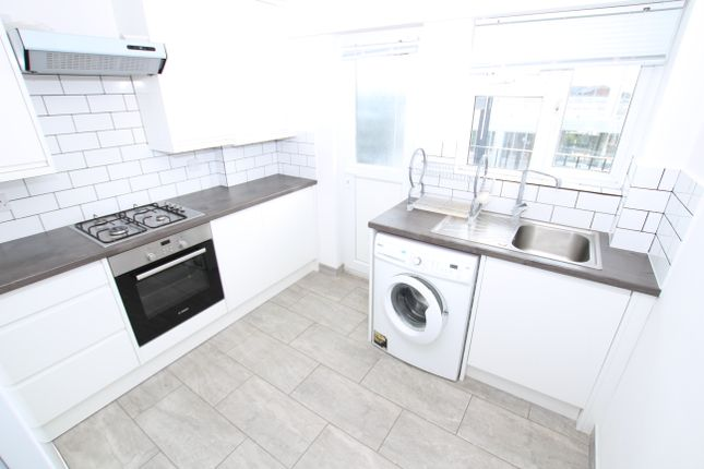 Thumbnail Flat to rent in Western Court, London