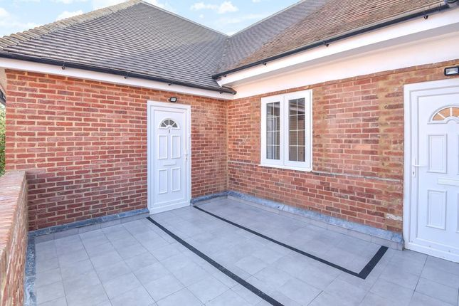 Thumbnail Flat to rent in Bicester, Oxfordshire