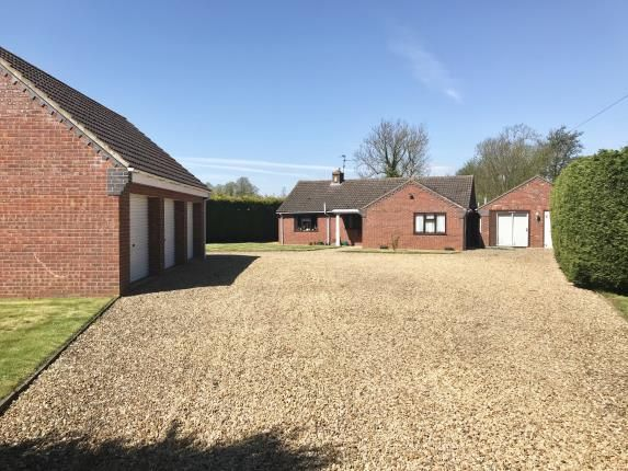 Thumbnail Bungalow for sale in Northorpe Road, Donington, Spalding, Lincolnshire