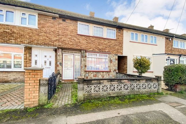 3 bed terraced house for sale in Daiglen Drive, South Ockendon RM15