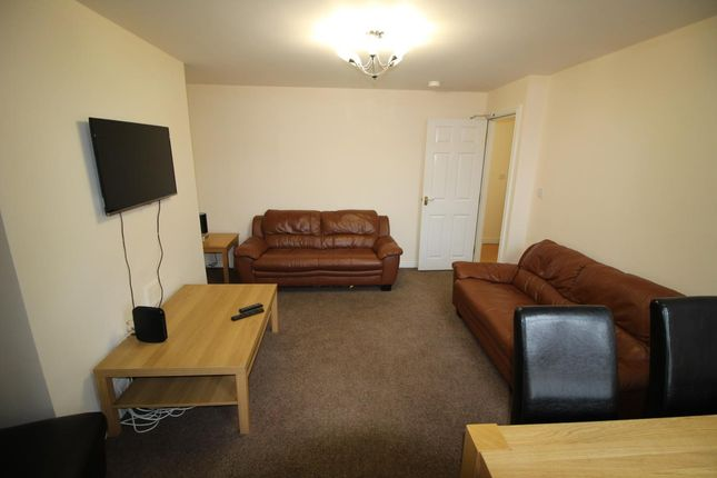 Thumbnail Maisonette to rent in Stratford Grove West, Sandyford, Newcastle Upon Tyne