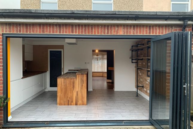 Thumbnail Semi-detached house to rent in Queens Road, Petersfield