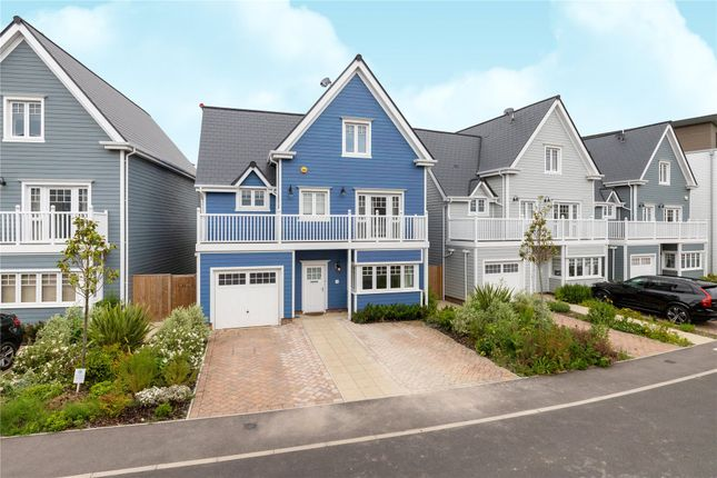 Thumbnail Detached house for sale in Champlain Street, Reading, Berkshire