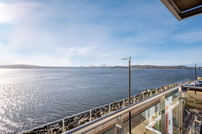Thumbnail Flat for sale in Harbour Place, Dalgety Bay, Dunfermline