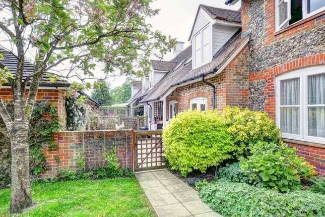 2 bed end terrace house for sale in Framers Court, Lane End HP14