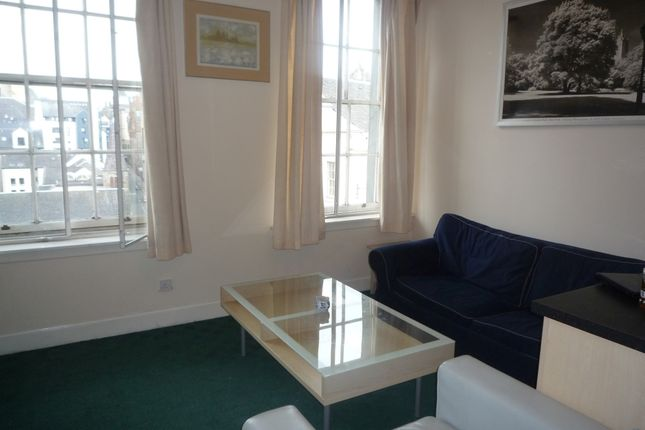 Thumbnail Flat to rent in South Bridge, Old Town, Edinburgh