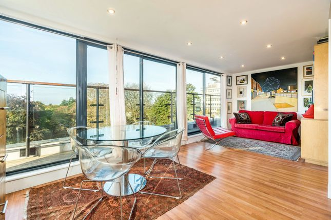 Thumbnail Flat for sale in Denmark Hill, London