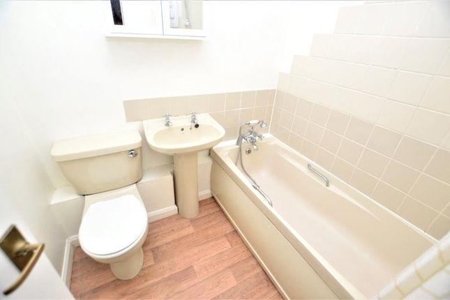 Bathroom of Daws Court, Old Ferry Road, Saltash, Cornwall PL12