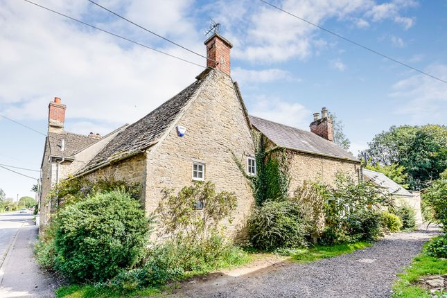 Thumbnail Property for sale in New Road, Bampton