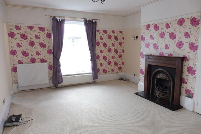 Thumbnail Flat to rent in Lansdowne Square, Weymouth