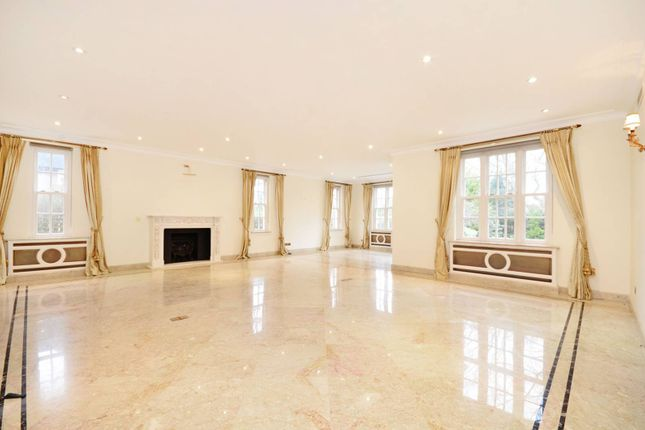 Thumbnail Property to rent in Holne Chase, Hampstead Garden Suburb