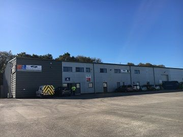 Thumbnail Warehouse to let in Bell Court, Fforestfach Swansea