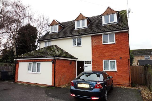 Thumbnail Flat to rent in Ware Road, Hoddesdon