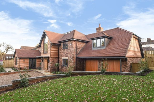 Thumbnail Detached house for sale in Green Lane, Pangbourne