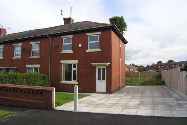 3 bed semi-detached house to rent in Queen Street, Clayton Le Moors, Accrington BB5
