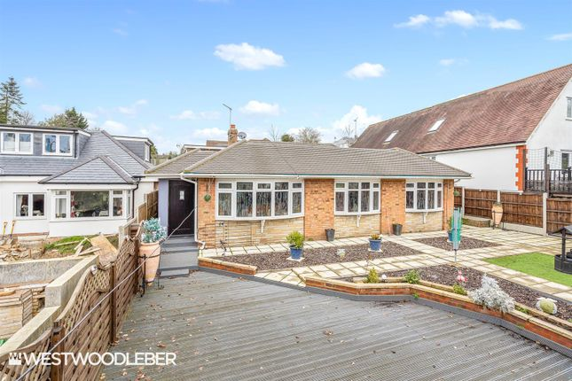 Thumbnail Detached bungalow for sale in Hamlet Hill, Roydon, Harlow