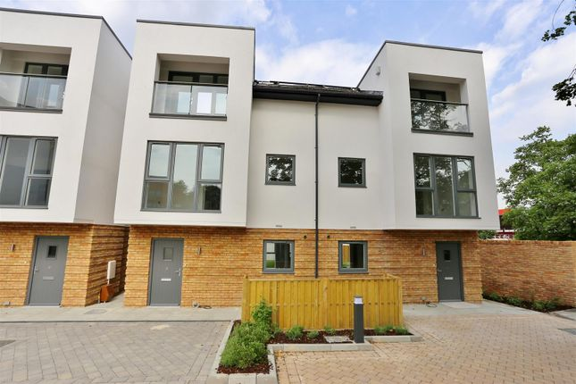 Thumbnail Semi-detached house to rent in Lansdowne Mews, London