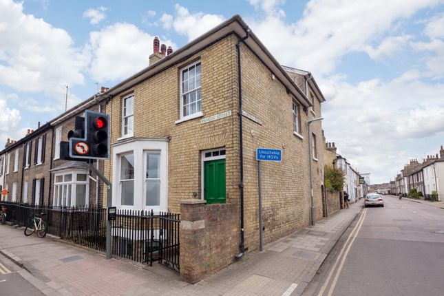 Thumbnail End terrace house for sale in Parker Street, Cambridge