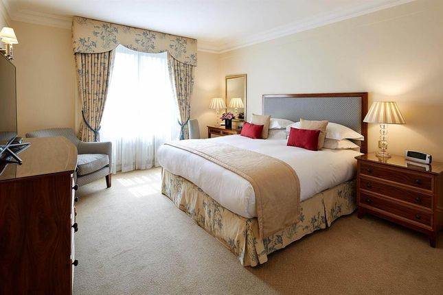 Thumbnail Flat to rent in Flat, - Hyde Park Gate, London