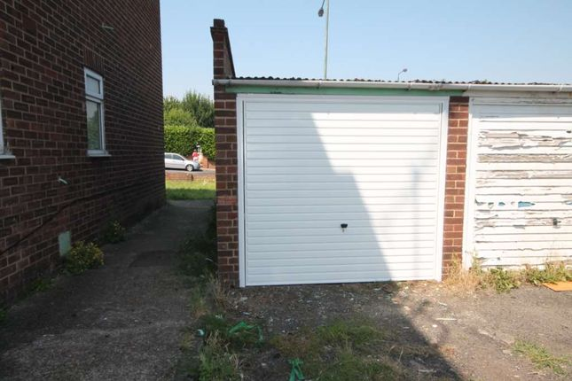 Thumbnail Parking/garage to rent in Bexley Road, Erith, Greater London