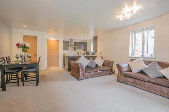 Thumbnail Flat for sale in Linford End, Harlow