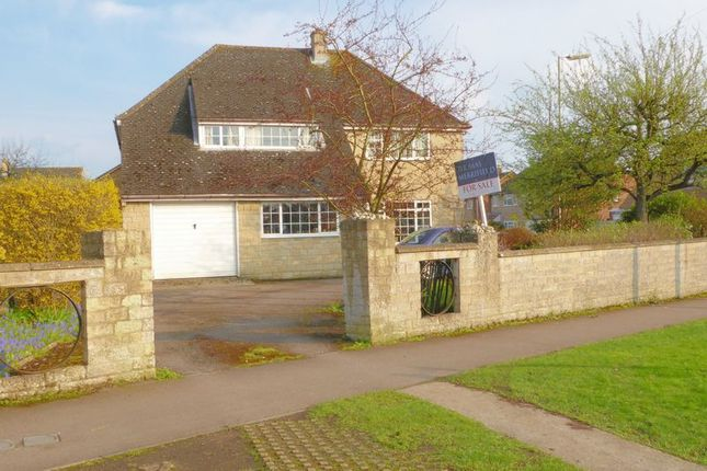 Thumbnail Detached house for sale in Churchill Road, Bicester