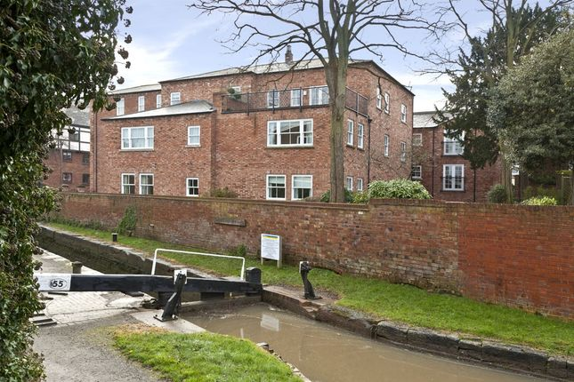 Thumbnail Flat to rent in Olivers Lock, Payton Street, Stratford-Upon-Avon, Warwickshire