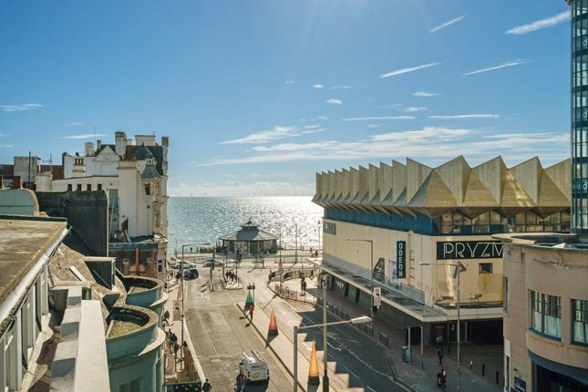 Thumbnail Flat to rent in West Street, Brighton