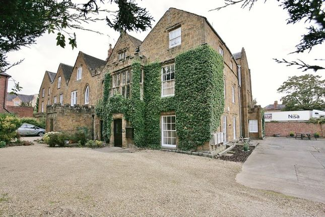 Thumbnail Flat for sale in 2 Calthorpe Manor, Dashwood Road, Banbury