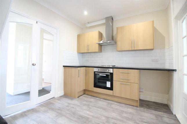 Kitchen of Wharncliffe Street, Hull HU5