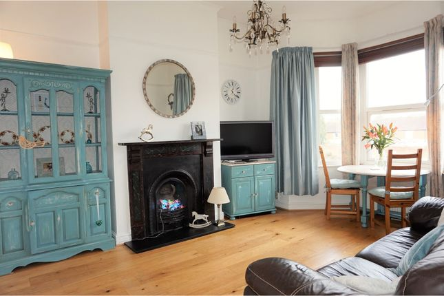 Thumbnail Flat for sale in 10 Priorswood Road, Taunton