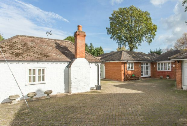 Thumbnail Bungalow for sale in Kennel Ride, Ascot