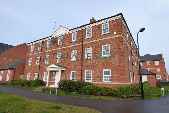 2 bed flat to rent in Long Roses Way, Birstall, Leicester