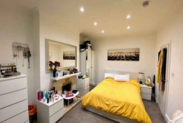 Flat to rent in Rannoch Road, London W6, Hammersmith