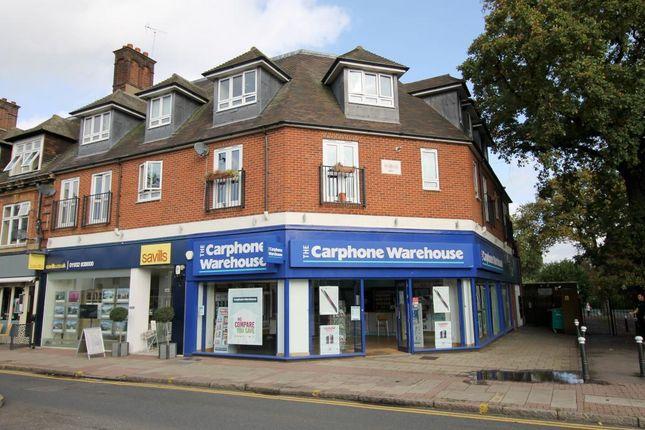 3 bedroom flat for sale in Queens Road, Weybridge
