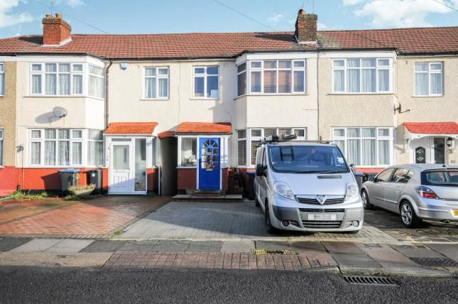 3 bed terraced house for sale in Carisbrook Close, Enfield, 48 Carisbrook Close, Enfield