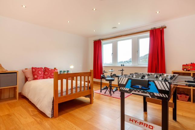 Bedroom 3 of Toy Cottage, Maingate, Hepworth HD9