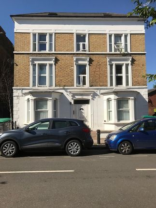 Thumbnail Flat to rent in Essex Road, Acton