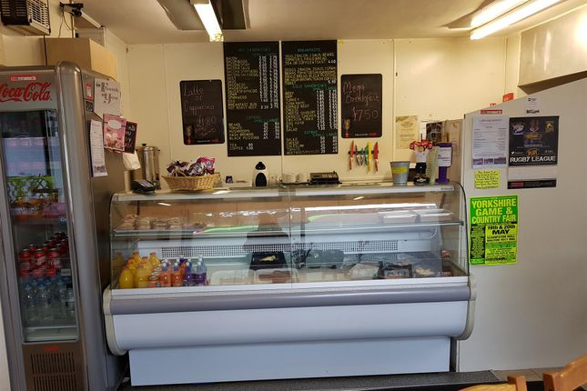 Photo 2 of Cafe & Sandwich Bars LS11, West Yorkshire