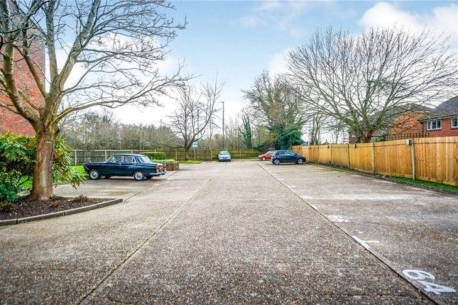 Parking of Swann Way, Broadbridge Heath, Horsham RH12