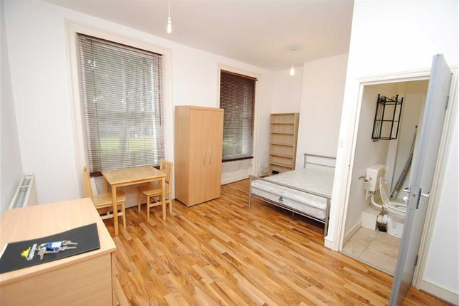 Property to rent in Newington Green, London
