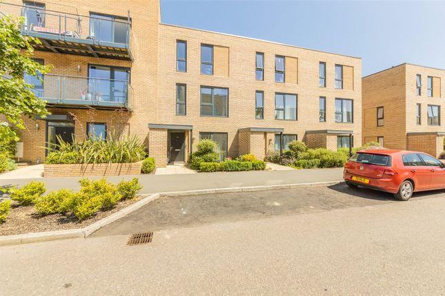 Thumbnail Terraced house to rent in Whittle Avenue, Trumpington, Cambridge