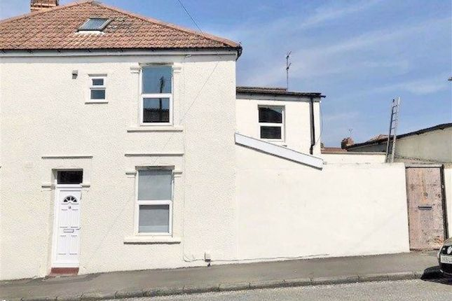 Thumbnail Flat to rent in Lodge Hill, Kingswood, Bristol