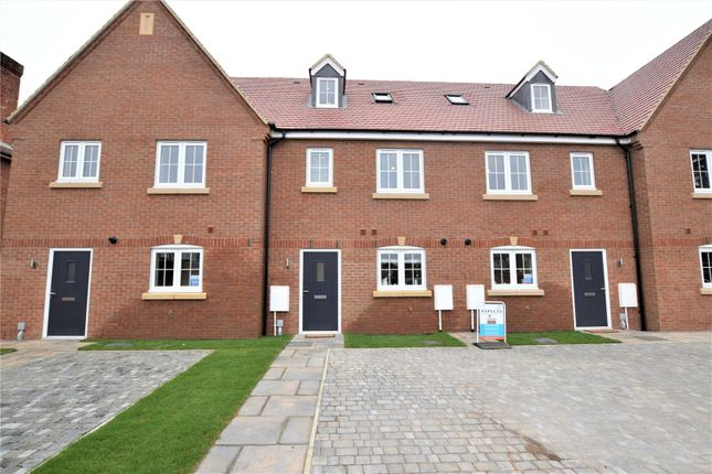 3 bed terraced house for sale in Greenfield Road, Spinney Hill, Northampton NN3