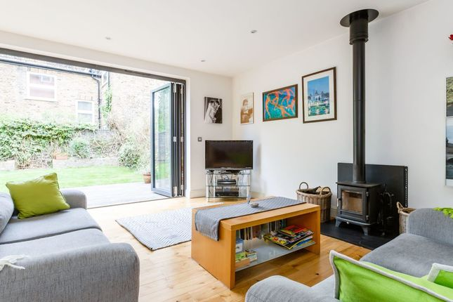 Thumbnail Flat to rent in Buckley Road, London